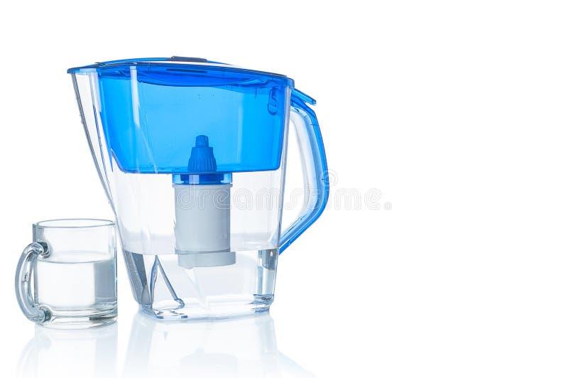 Jarro e vidro do filtro de água fotos de stock