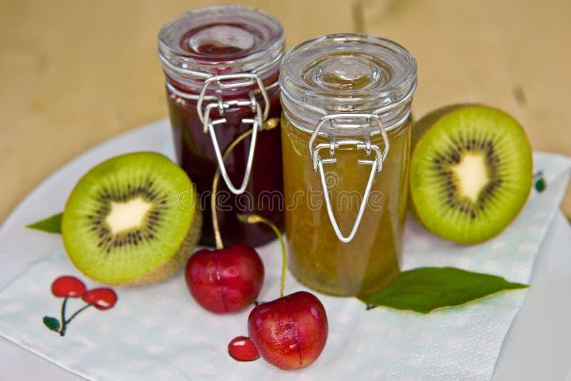 Jars med marmalade royaltyfri fotografi