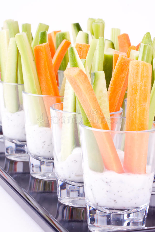 Jarzynowe zakąski z jogurtem zdjęcia stock