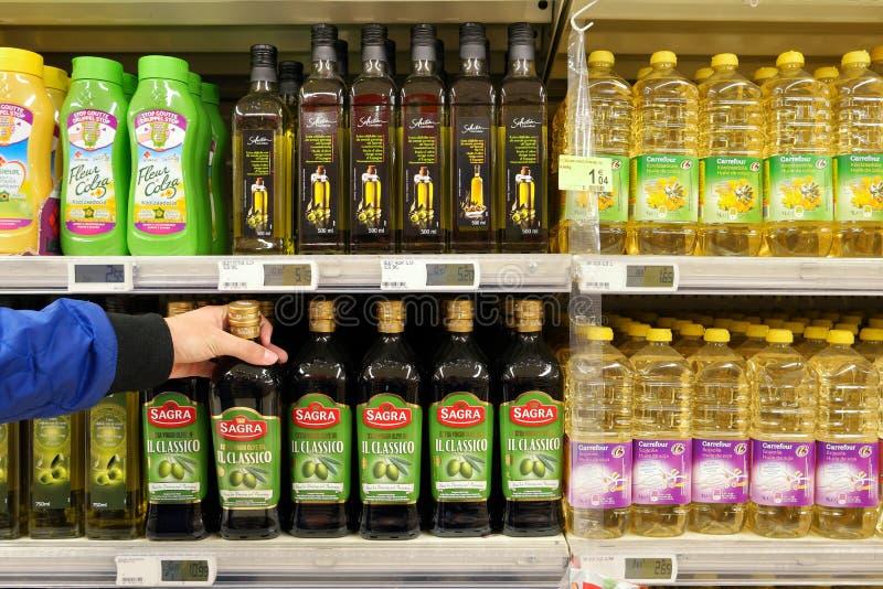 Jarzynowi oleje w sklepie obraz royalty free
