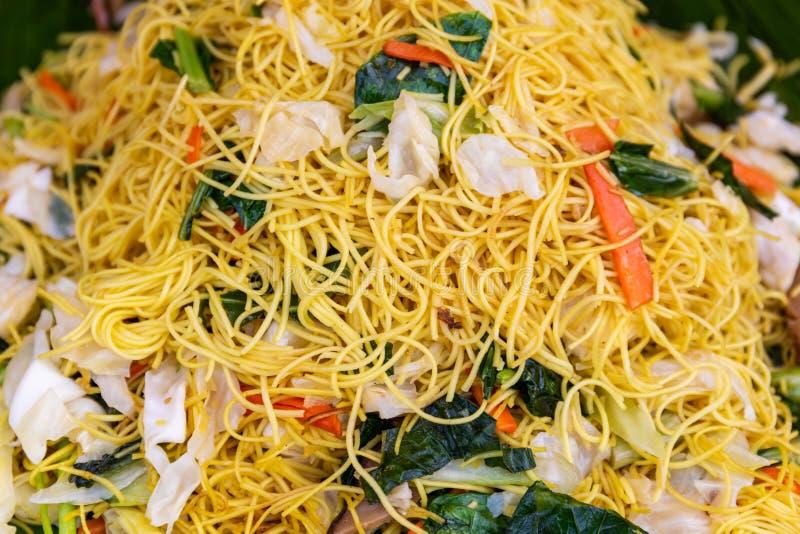 Jarzynowy fertanie smażący ryżowy kluski zdjęcie stock