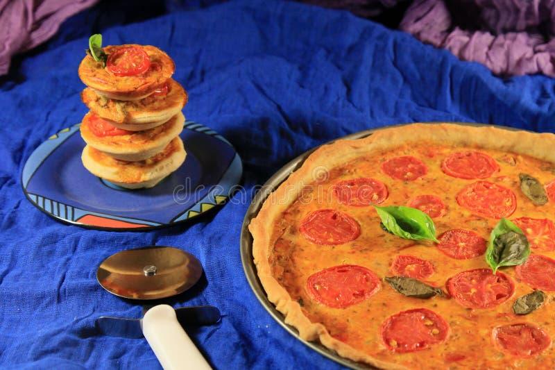 Jarzynowy pomidorowy quiche fotografia royalty free
