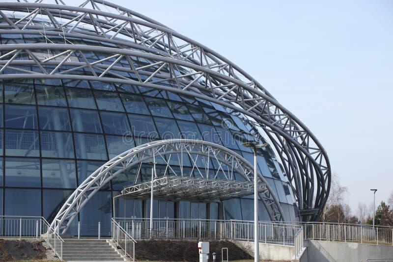 Jasionka, Rzeszow, Polen - 9 2 2019: De ultra moderne luchthavenbouw Architectuurontwerp van het koppelwerkwoord met transparant  stock foto
