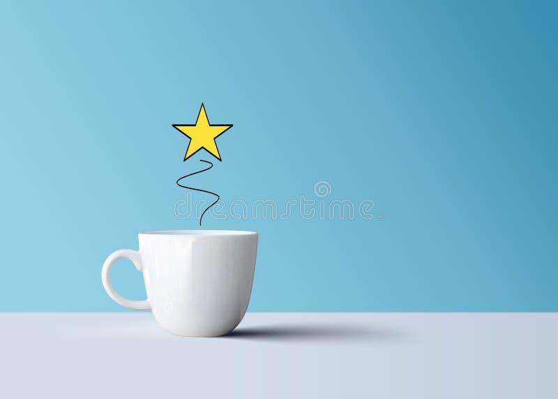 Jaskrawa błyszcząca gwiazda i biały kawowy kubek kreatywnie, fotografia stock