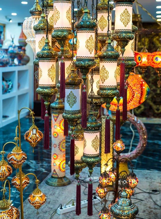 Jaskrawa barwiąca lampa fotografia stock