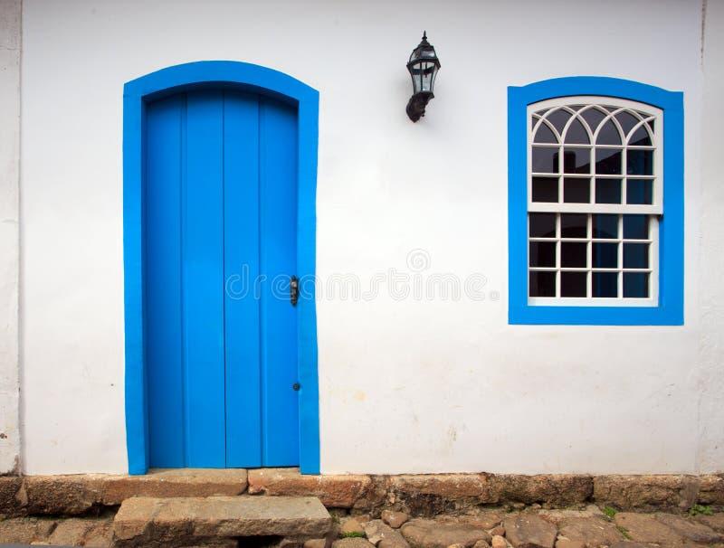 Jaskrawa barwiona fasada obraz stock