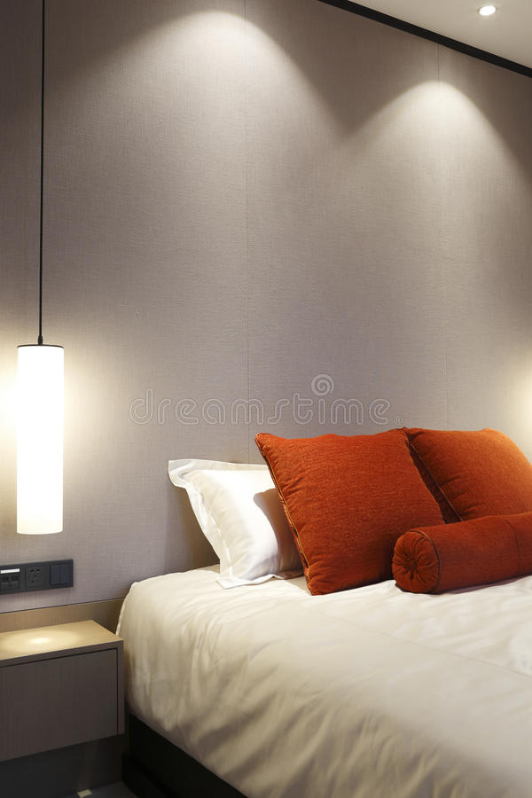 Jaskrawi kolory sypialnia fotografia stock