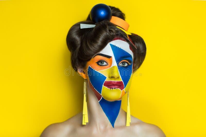 Jaskrawi kształty na twarzy fotografia royalty free