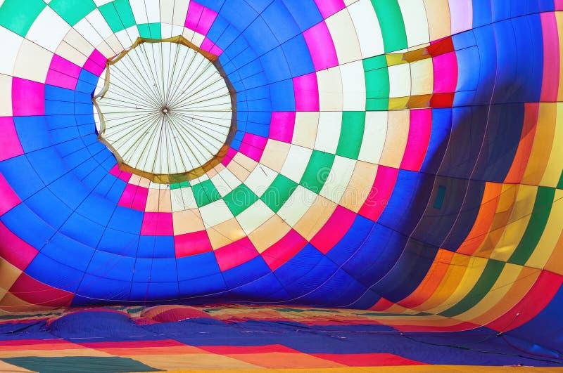 Jaskrawy abstrakcjonistyczny stubarwny gorące powietrze balonu tło obraz royalty free