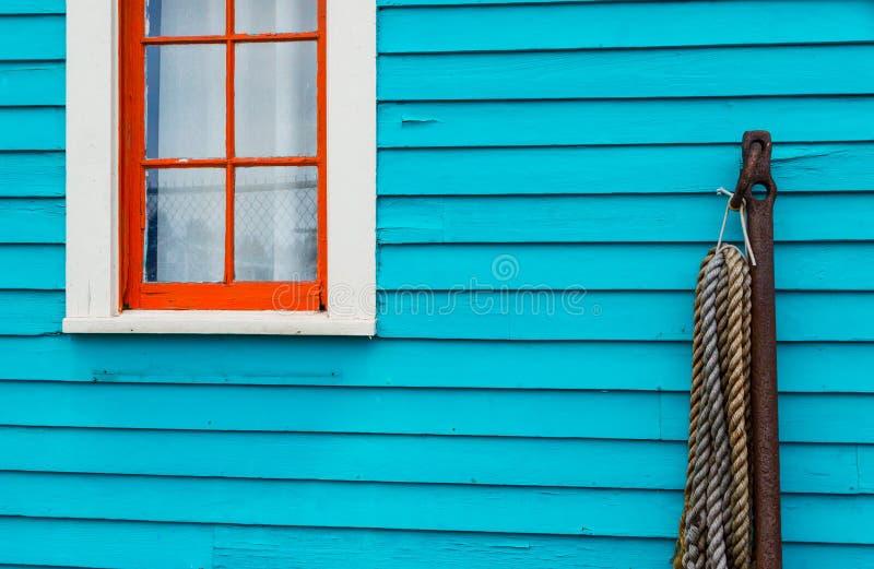 Jaskrawy barwiący dom zdjęcia stock