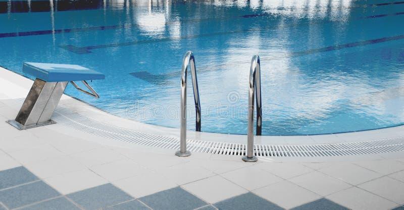 Jaskrawy i Jasny Pływacki basen obraz stock