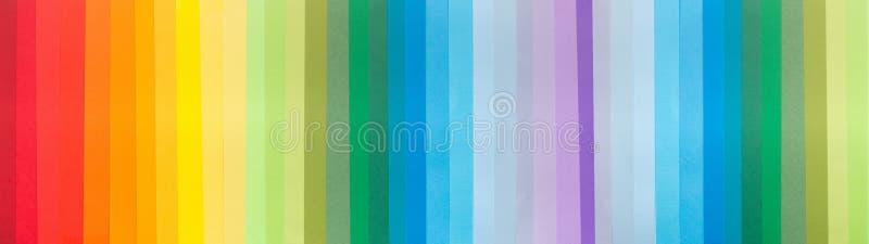 Jaskrawy papierowy tło z pionowo liniami wszystkie cienie zdjęcia royalty free