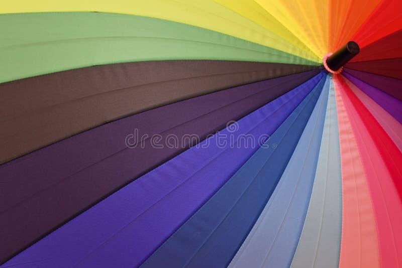 Jaskrawy parasol z tęczą barwi zbliżenie obrazy royalty free