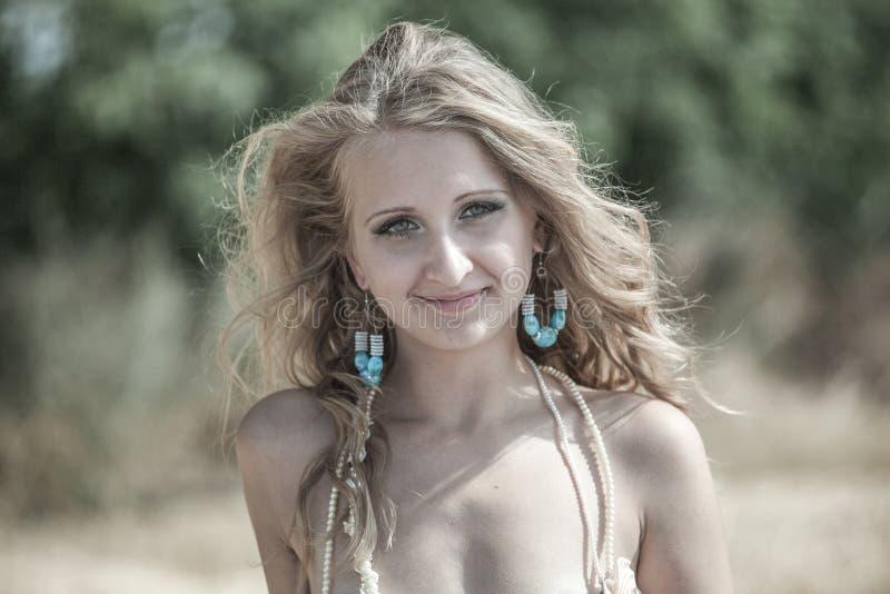 Jaskrawy portret Szczęśliwa kobieta obrazy royalty free
