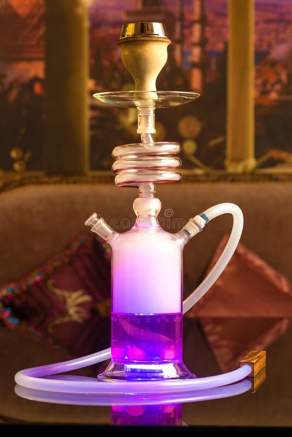 Jaskrawy purpurowy nargile zdjęcie stock