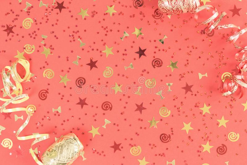 Jaskrawy ?wi?teczny confetti i fabork?w koralowy mieszkanie nieatutowy zdjęcie royalty free