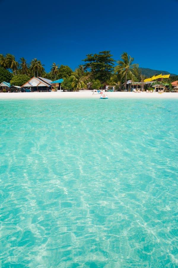 jasna krystaliczna wyspy oceanu raju woda zdjęcia royalty free