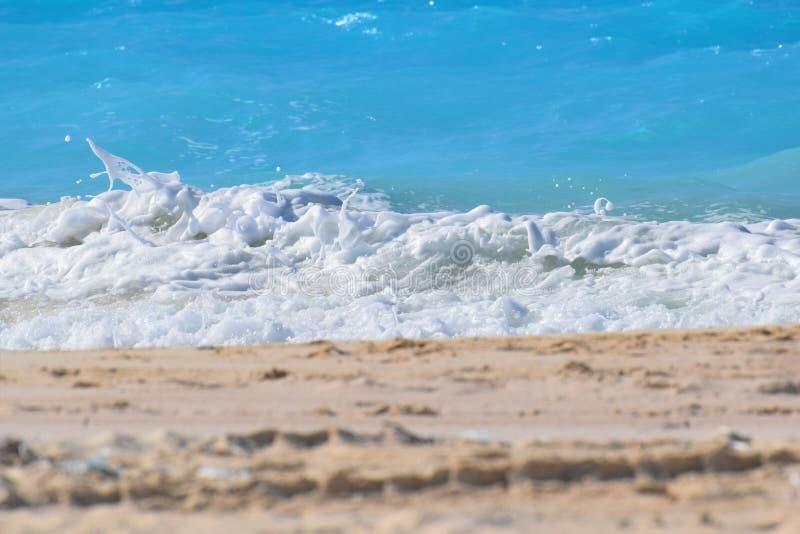 Jasna morze fala zdjęcie royalty free