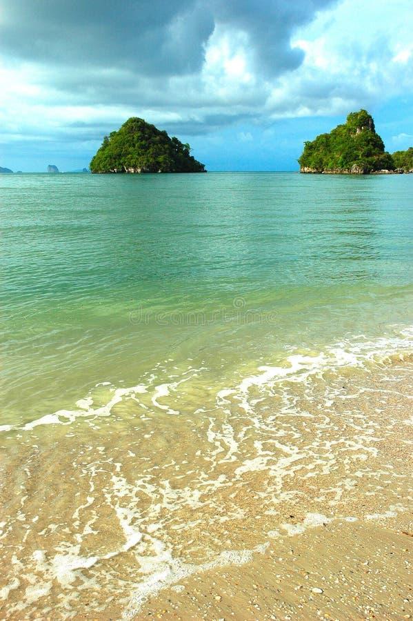 jasne krabi krystaliczny plaży ocean Thailand obrazy stock