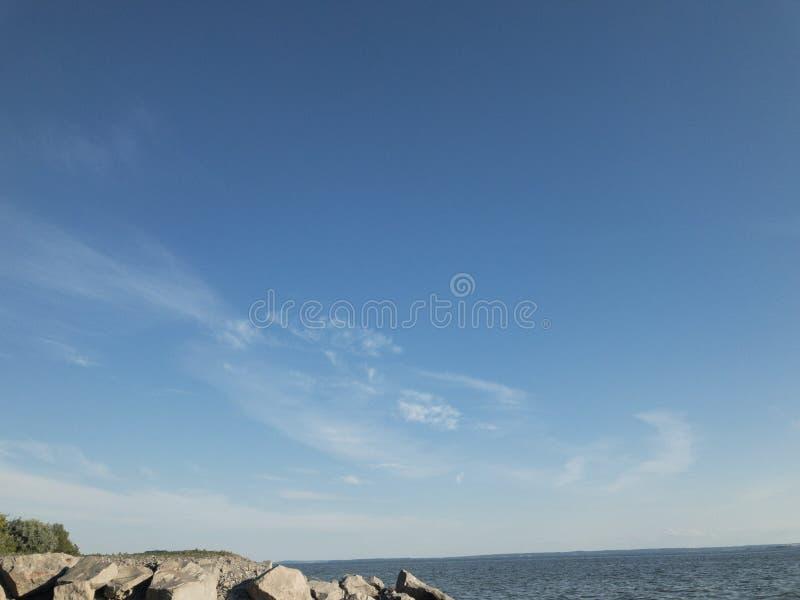 jasne niebo niebieskie fotografia royalty free