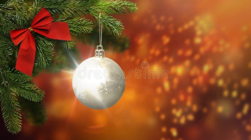 Jasne tło świąteczne, ozdoby choinkowe, zbliżenie fotografia royalty free
