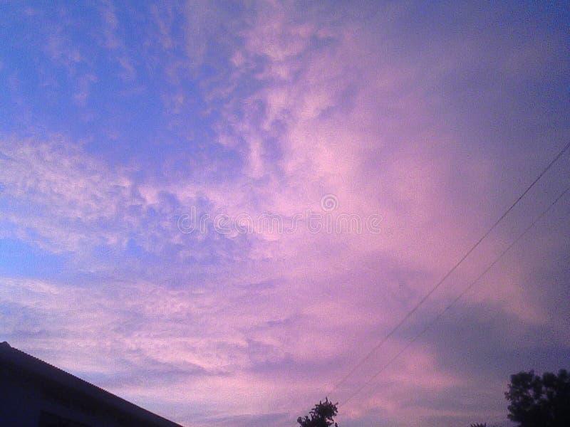 Jasny jaskrawy niebo obraz stock
