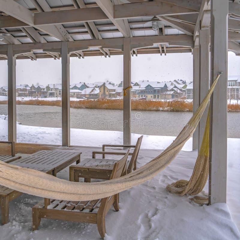 Jasny Kwadratowy klub przegapia Oquirrh jezioro w zima dniu zdjęcie royalty free