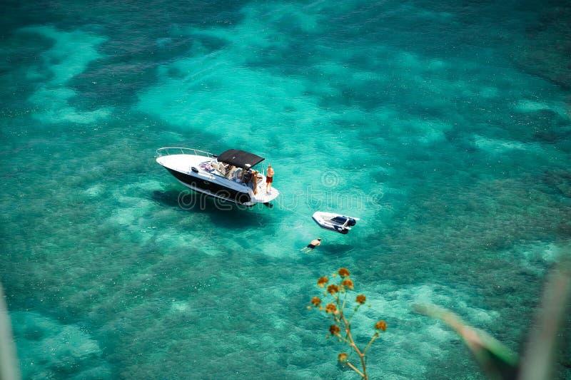 jasny ocean zdjęcia royalty free