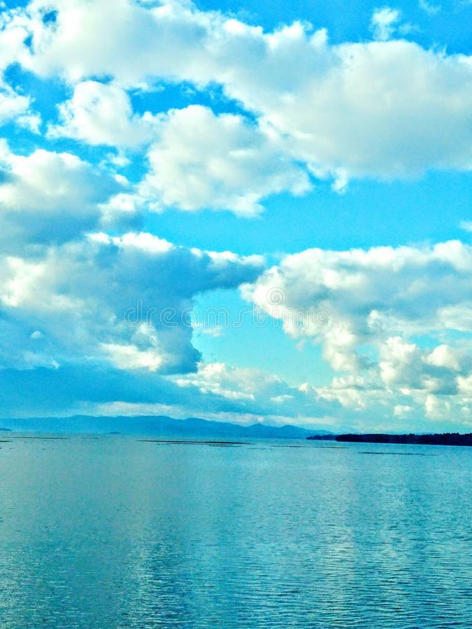 Jasny oceanu ranek zdjęcia stock