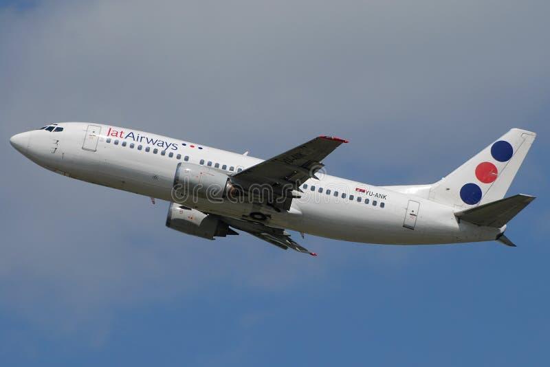 jat för flygbolag b737 arkivfoto