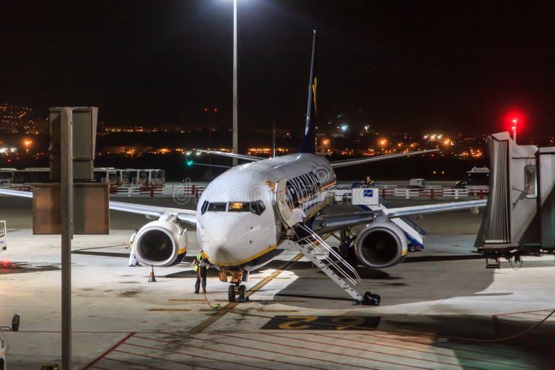 Jato estacionado de Ryanair foto de stock
