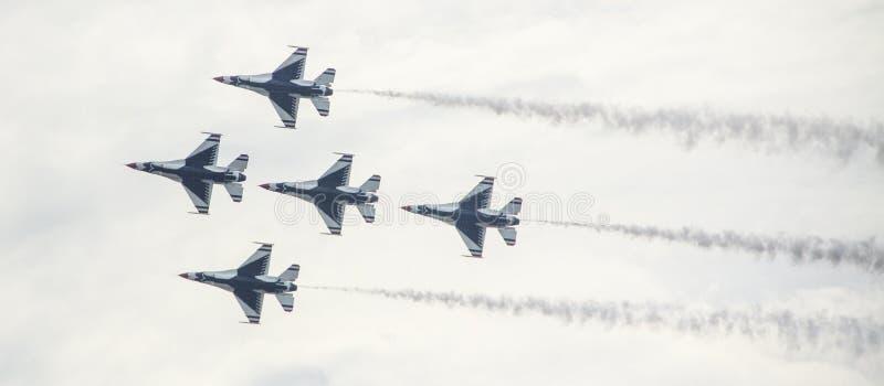 Jatos da força aérea na formação fotos de stock royalty free