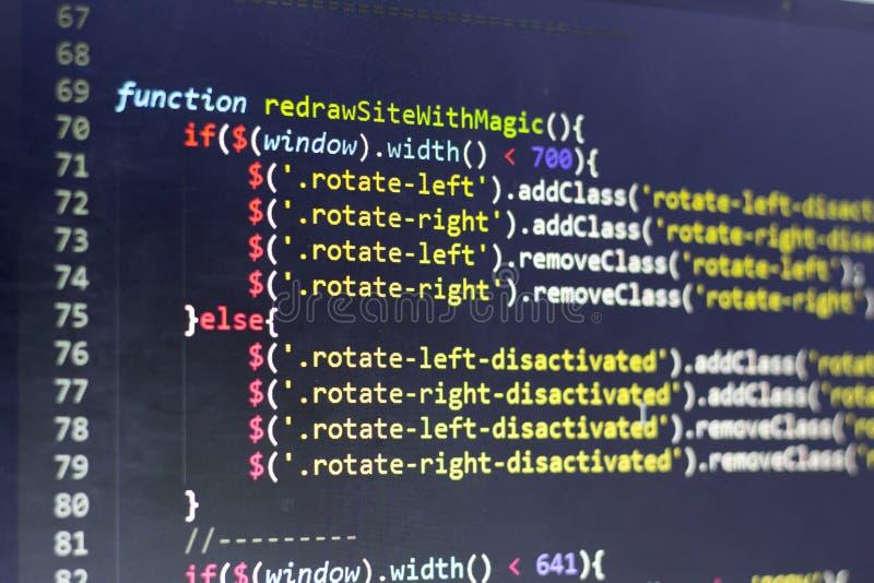 Javascriptframdel-slut kod Dator som programmerar källkod Abstrakt skärm av rengöringsdukbärare royaltyfri foto