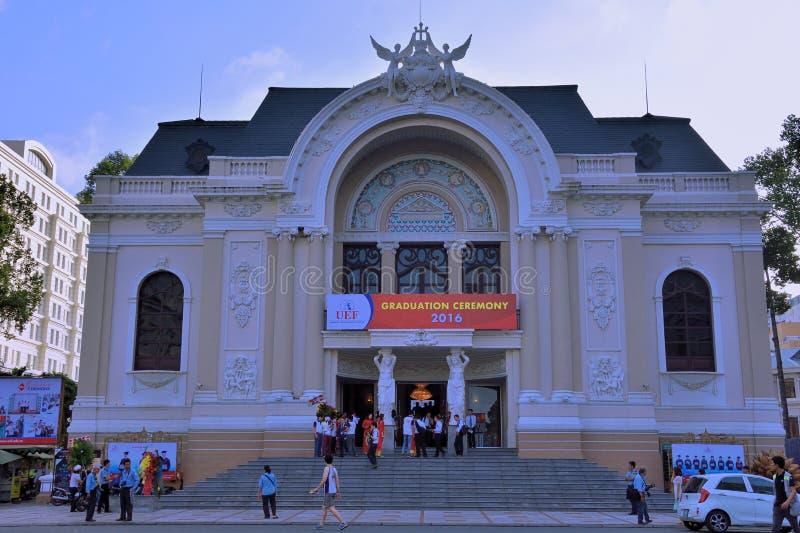 Jawna aktywność przy Ho Chi Minh miasta operą, Wietnam zdjęcie royalty free