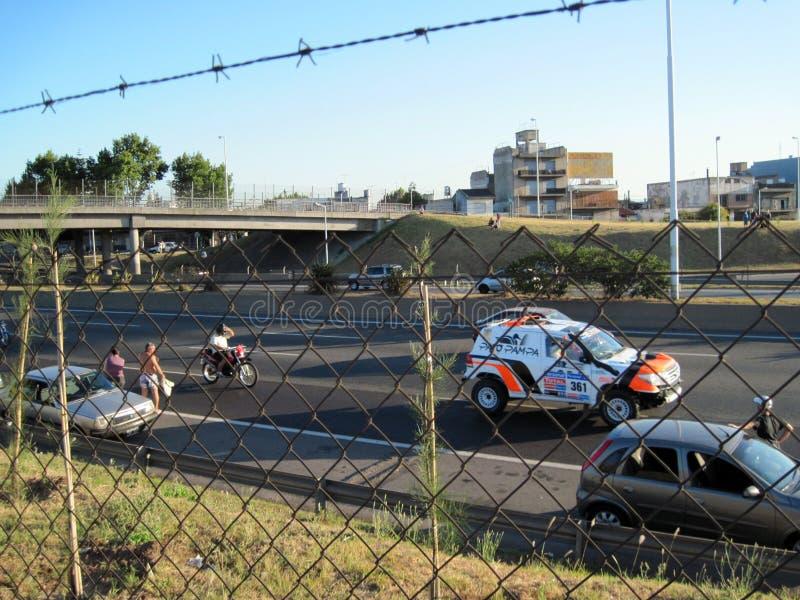 Jawni powitania i brać obrazki uczestnicy w 2011 Dakar Zlotnym - Buenos Aires Argentyna obrazy stock