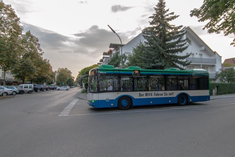 Jawny autobus w Monachium obraz stock