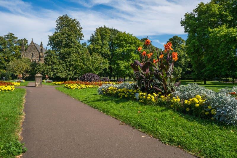 Jawny miastowy ogród w królewiątkach Lynn, Norfolk UK zdjęcia stock