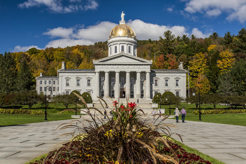Jawny park Capitol w jesieni, spadku/Barwi - Montpelier, Vermont - Historyczny stanu dom - zdjęcia royalty free