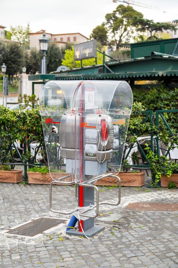 Jawny telefon działający Telecom Italia w Rzym zdjęcie stock