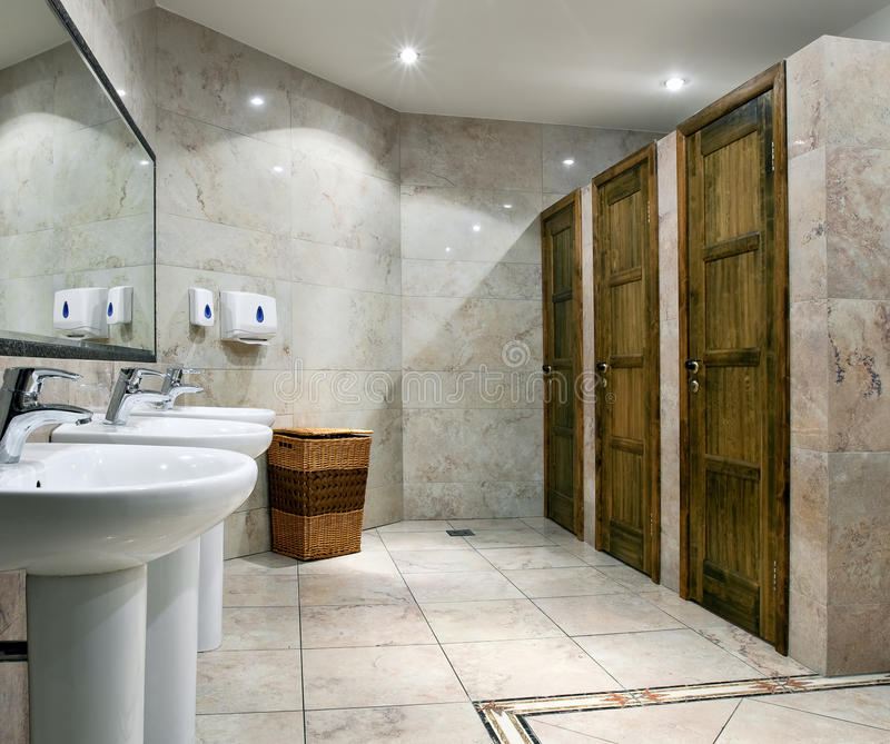 Jawny toalety wnętrze fotografia royalty free