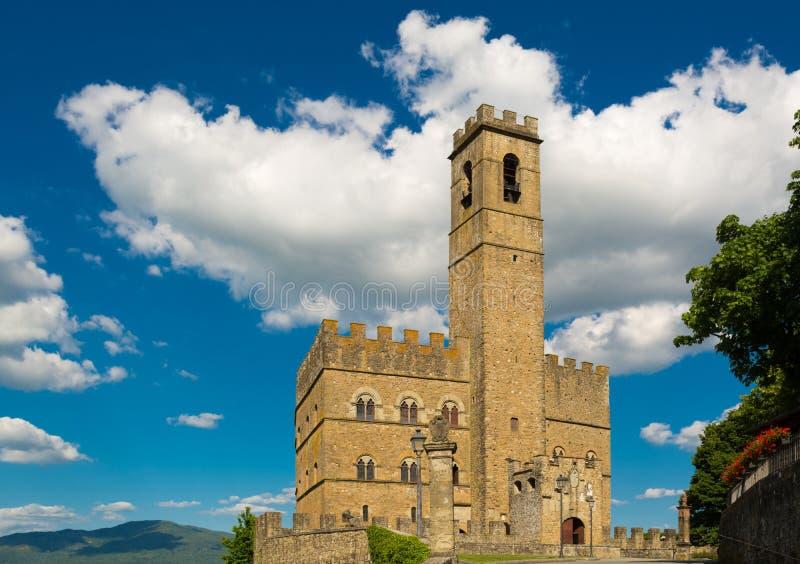 Jawny zabytek Poppi kasztel w Tuscany fotografia stock