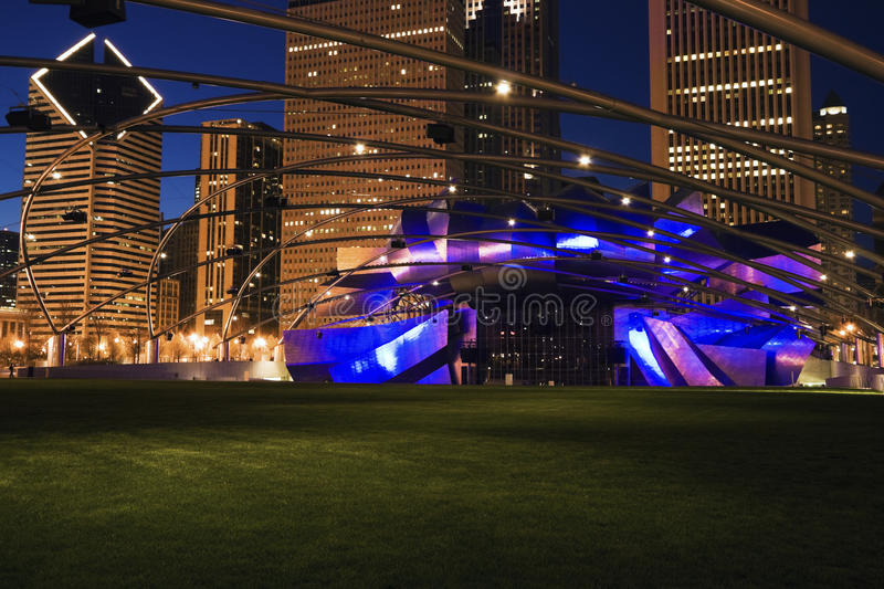 Download Jay Pritzker Pavilion editorial stock photo. Image of night - 20614918