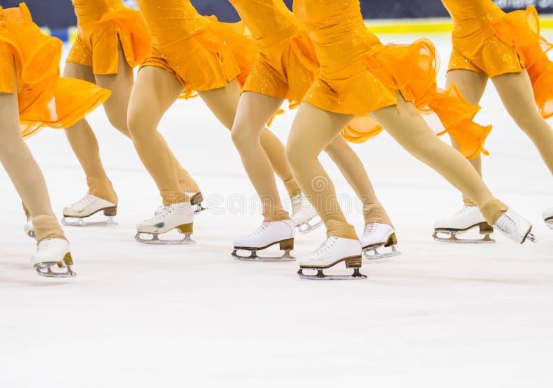 Jazda na łyżwach na lodzie zdjęcia royalty free
