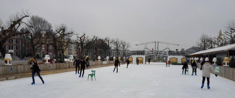 Jazda na łyżwach w Amsterdam zdjęcia stock