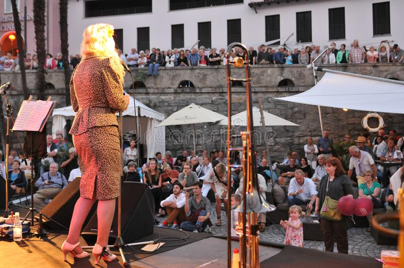 Jazz-band het spelen in Ascona Jazz Festival naast Locarno Ci stock foto
