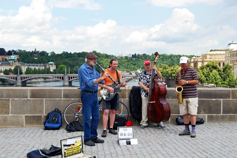 Jazz Band sur Charles Bridge, Prague photographie stock