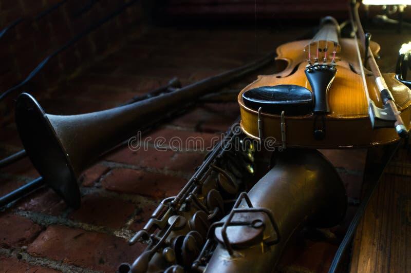 Jazz Club Instruments Night fotografia stock libera da diritti