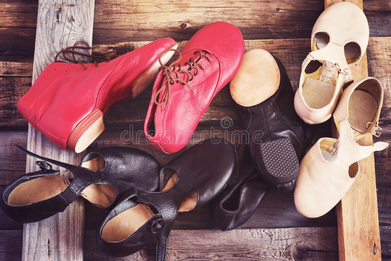 Jazz Dance-schoenen van verschillende kleuren, gekleurd beeld stock foto