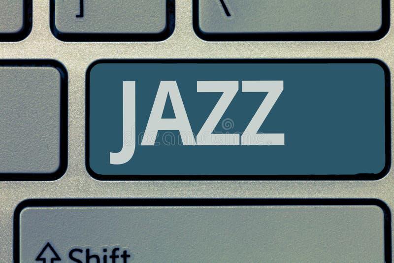 Jazz för textteckenvisning Kraftfull rytm för begreppsmässigt foto genom att använda mässings- och träblåsinstrumentinstrument fö arkivbilder