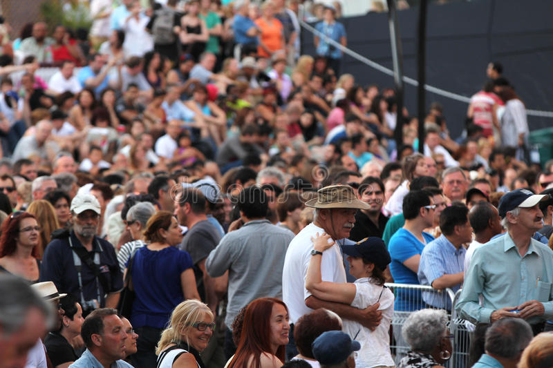 Download Jazz Festival Crowd In Montreal Editorial Stock Image - Image: 27685729